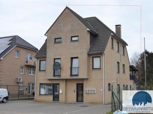 Duplex appartement te koop! Dit appartement met 3 slaapkamers bevindt zich op een gunstige locatie te Heusden-Zolder en werd gebouwd in 1999. Het appa