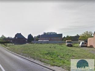 Te koop: bouwgrond voor halfopen bebouwing te Heusden!<br /> Nabij de grens van Heusden en Koersel bevindt zich deze bouwgrond voor halfopen bebouwing