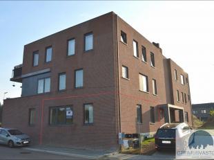 Gelijkvloers appartement te koop te Kuringen! Dit appartement beschikt over 1 ruime slaapkamer bevindt zich op het gelijkvloers. Het pand ligt op een