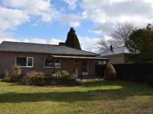 Gelijkvloerse woning te koop op toplocatie in Helchteren!<br /> Op wandelafstand van het centrum van Helchteren ligt deze ruime bungalow op een ruim p