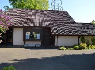 In de Rijkelstraat te Zolder bevindt zich deze gezinswoning met 2 slaapkamers. De woning is gelegen op een perceel van 25 are en de prachtige tuin is