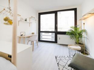 Joli studio meublàde 25m² complÃÂtement rÃÂnovÃÂ. IdÃÂalement situ&Atil