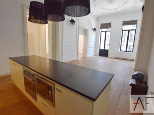 Quartier Place Stéphanie: Superbe appartement de standing de +/-165m² avec entrée privative par ascenseur composé d'une bell