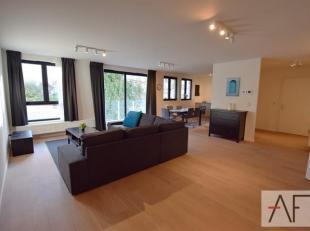 Quartier Square Ambiorix: appartement de standing Meublé, 1°occupation de 115m² avec terrasse (12m²). L'appartement se compose d'