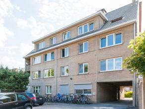 Aan de Weggevoerdenstraat net buiten de kleine ring van Hasselt vinden we dit gezellige appartement. Het appartement heeft een bewoonbare oppervlakte