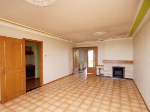 Aan de Hendrik Van Veldekesingel, net aan de grote ring van Hasselt, vinden we op de zevende verdieping dit gezellige appartement terug. Het apparteme