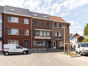 Deze prachtige ruime stadswoning vinden we terug in één van de meest gegeerde straten van Hasselt centrum, de Windmolenstraat.<br /> De