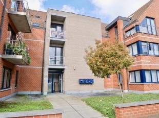 Bel Appartement DUPLEX de +/- 130 m2 situé au 2ème étage (avec ASCENSEUR) composé comme suit: 2ème ETAGE: Hall d'En