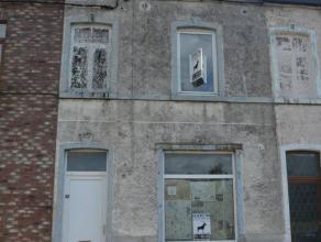 Maison potentiellement charmante à rénover.Situé au coeur de Monceau-Hameau, elle se situe à la fois au calme (style campa