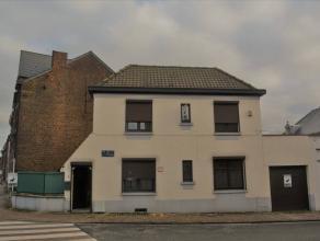 L'étude des propriétaires vous propose une jolie maison située en plein centre de Monceau-sur-sambre, proche du parc, des magasin