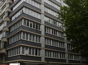 L'Etude des Propriétaires vous propose ce magnifique appartement à vendre en plein centre de CHARLEROI qui a toujours été