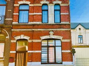 Splendide maison de maître avec 3 chambres située dans la belle commune de Lodelinsart. Cette belle maison est composée comme suit