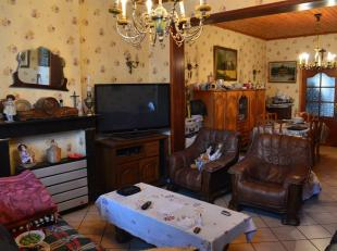 L'Etude des Propriétaires vous propose cette belle maison située sur la commune de Marchienne-au-Pont.Située à proximit&ea