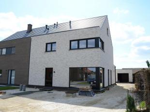 MODERNE HOB MET 3 SLK OP 5A + GARAGEBOX <br /> <br /> In een rustige straat in Koersel, op de Waterbroekenstraat ter hoogte van nummer 19, bevindt zic