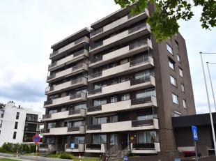 INSTAPKLAAR 2-SLK APPARTEMENT MET STAANPLAATS<br /> Wie een huiselijk, gezellig maar toch centraal gelegen appartement zoekt, moet zeker en vast een k