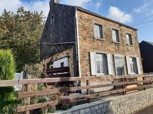Venez découvrir cette agréable maison située village de Marche-les-Dames. Elle se compose au rez-de-chée: 1 hall d'entr&ea