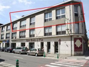 ***OPTION*** Au centre de Wavre, un très grand appartement 3 chambres de ±160m² complètement rénové en 2010. S