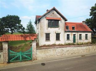 A la limite de Rixensart, sur la commune de Bièrges, dans l'authentique petit hameau de Champles, à 2' de la sortie 4 de l'E411 et du zo