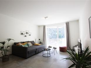 Situé au pied de tous les commerces et de la gare RER de Rixensart, très bel appartement 2 chambres de 89 m² au 1 étage sur