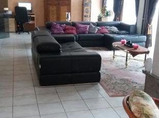 DUPLEX APPARTEMENT AAN ZEE  € 299.000<br />  <br /> Uitstekend gelegen en ruim duplex appartement in Blankenberge.<br /> Dit eigendom is in de Kerk