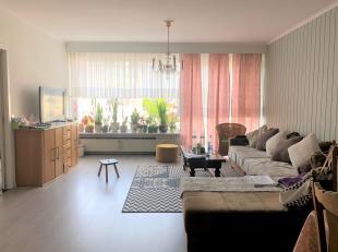 Instapklaar appartement. 2 slaapkamers (1 met terras). Afzonderlijke wc, badkamer met ligbad, grote ingebouwde kasten in de hal. <br /> Volledig inger