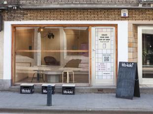"""9.600 jaarlijkse opbrengst - Dit pand in de Sint-Jacobsnieuwstraat is dé droom van vele huurders-ondernemers. De pop-up """"Dough It"""" bewijst het"""