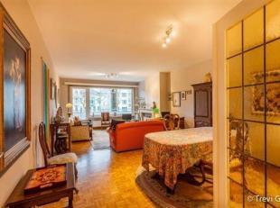 Unieke kans! Vernieuwd 2-slaapkamer appartement.<br /> Toplocatie!<br /> Dit appartement is gelegen op de Coupure te Gent. Vlot bereikbaar, zowel met