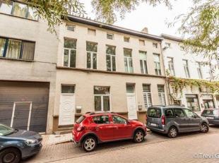 TE RENOVEREN woning met 3 slaapkamers (4 mogelijk) vlakbij Patershol.<br /> Deze woning bevindt zich op wandelafstand van het stadscentrum en in de di