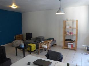 Ruim 1 slaapkamer appartement gelegen in een zijstraat van de Kouter! <br /> Het betreft een goed onderhouden appartement op de vierde verdieping. De