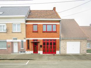 --> Een gerenoveerde rijwoning met garage, 3 slaapkamers en grote tuin gelegen in het centrum van Meulebeke<br /> --> 459 M² grondoppervlak