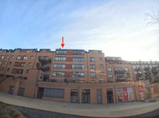 Louvain-la-Neuve centre, à deux pas de l'Esplanade. Il se compose d'une pièce de vie de +/-35m² et un coin chambre sépar&eac