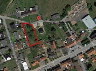 In het rustige gelegen De Klijte, op 8 km van Ieper centrum, is dit lot bouwgrond gelegen met een totale grondoppervlakte van 1.142 m². Bouwgrond