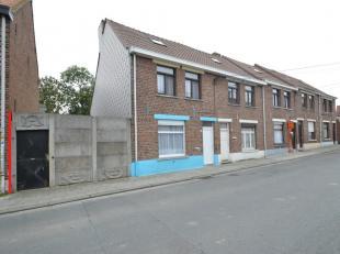 In de Bassevillestraat te Nieuwkerke zijn deze vijf rijwoningen naast elkaar gelegen. 4 van de 5 woningen zijn verhuurd, Bassevillestraat 10 staat op