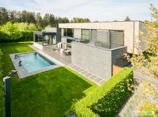Heidestraat 200: Exclusieve villa met zwembad en afwerkt in hoogwaardige materialen te Bolderberg. <br /> <br /> Indeling: Inkomhal met vestiaire, gas