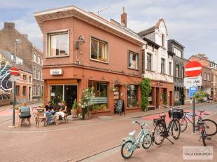 Dorpsstraat met huisnummer 41 en 43 : 2 aparte woningen met gemeenschappelijk handelsgelijkvloers voor diverse doeleinden (eventueel vrij van huur), g