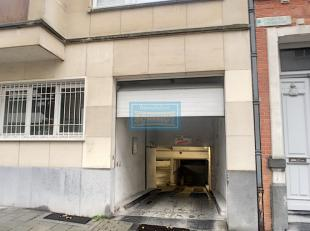 IMMOSCHMIDT - Elsene (vijvers van Elsene) (Ref 16140.): 5 parkeerplaatsen met  huur van euro 100/maand.  A115. Uitstekende locatie! Meer details en an