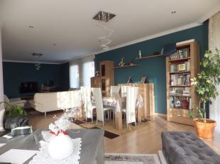 Gelijkvloers appartement met privé tuin.<br /> <br /> Dit ruime en vrij recente gelijkvloers appartement (+/- 167 m2) is gelegen in een appar