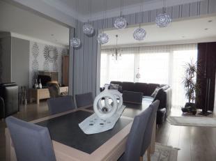 Dit ruime en vrij recente appartement (+/- 136 m2) op eerste verdieping is gelegen in een appartementencomplex van 7 wooneenheden. Op korte afstand va