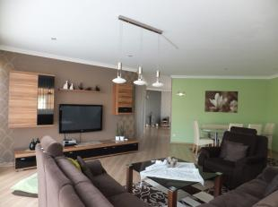 Dit ruime en vrij recente appartement (+/- 148 m2) op eerste verdieping is gelegen in een appartementencomplex van 7 wooneenheden. Op korte afstand va