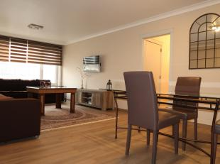 Dit appartement is een aanrader. Recente kwalitatieve keuken, nieuwe ramen 2018 met HR glas, ruime living, 2 slaapkamers, klein terras, zicht op den t