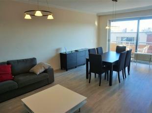 Bel appartement 2 chambres au 3 ème étage comprenant: Hall d'entrée, séjour, cuisine équipée récente