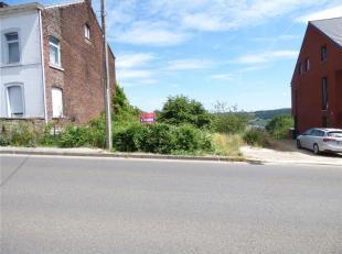 Amay - Chaussée de Tongres, découvrez ce terrain à bâtir en pente de 560 m² libre de constructeur orienté sud e