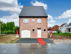 U droomt er van uw eigen woning te bouwen? Een woning die volledig afgewerkt is naar uw keuze? Deze halfopen bebouwing kan uw droomwoning worden! Ze b