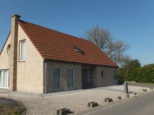 Commune: 7864 Deux-Acren  Superficie: 21 ares - +/- 252 m² hab dont garage (car port) +/- 42 m²  Chambres: 4  Chauffage: central au mazout