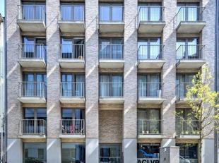 Trendy duplex-dakappartement met 2 schitterende superieure living-outdoor terrassen.<br /> Beneden heeft u een zonverlichte leefruimte met balkons en