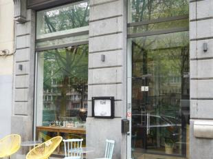 A vendre: Idéalement située sur une des plus agréables artères bruxelloises, cette maison de Maître à la fa&c