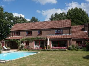 Située sur les hauteurs de Lasne, tout en étant proche du centre, nous vous présentons une belle villa à l'atmosphè