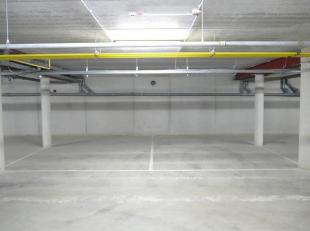 Garage à louer                     à 2431 Veerle