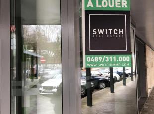 Elsene in de buurt van de Franklin Rooseveltlaan vindt u deze oude bankagentschap te huur. Een commerciële oppervlakte van +/-350 m² bestaat