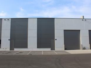 Nieuwbouw bedrijfsunit op een nieuwe KMO-site gelegen op de voormalige Bekaert terreinen. De units zijn gebouwd met kwaliteitsvolle en duurzame materi